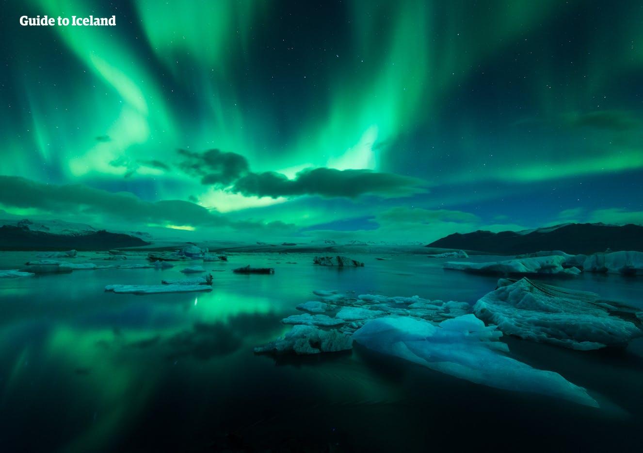 连体服_3月的冰岛 | 自驾、日照、极光和旅游攻略 | Guide to Iceland